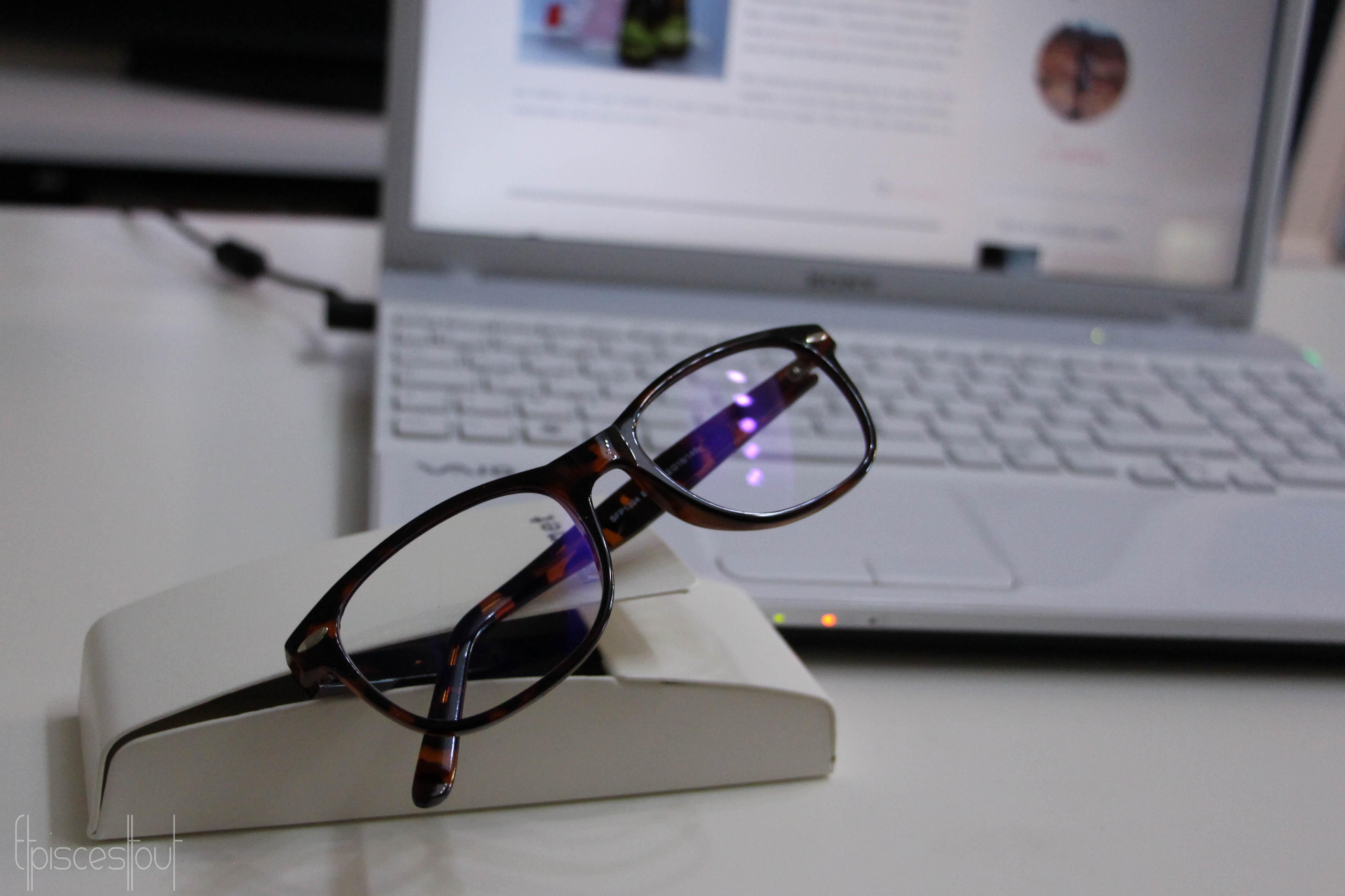 varionet des lunettes anti fatigue pour user et abuser. Black Bedroom Furniture Sets. Home Design Ideas